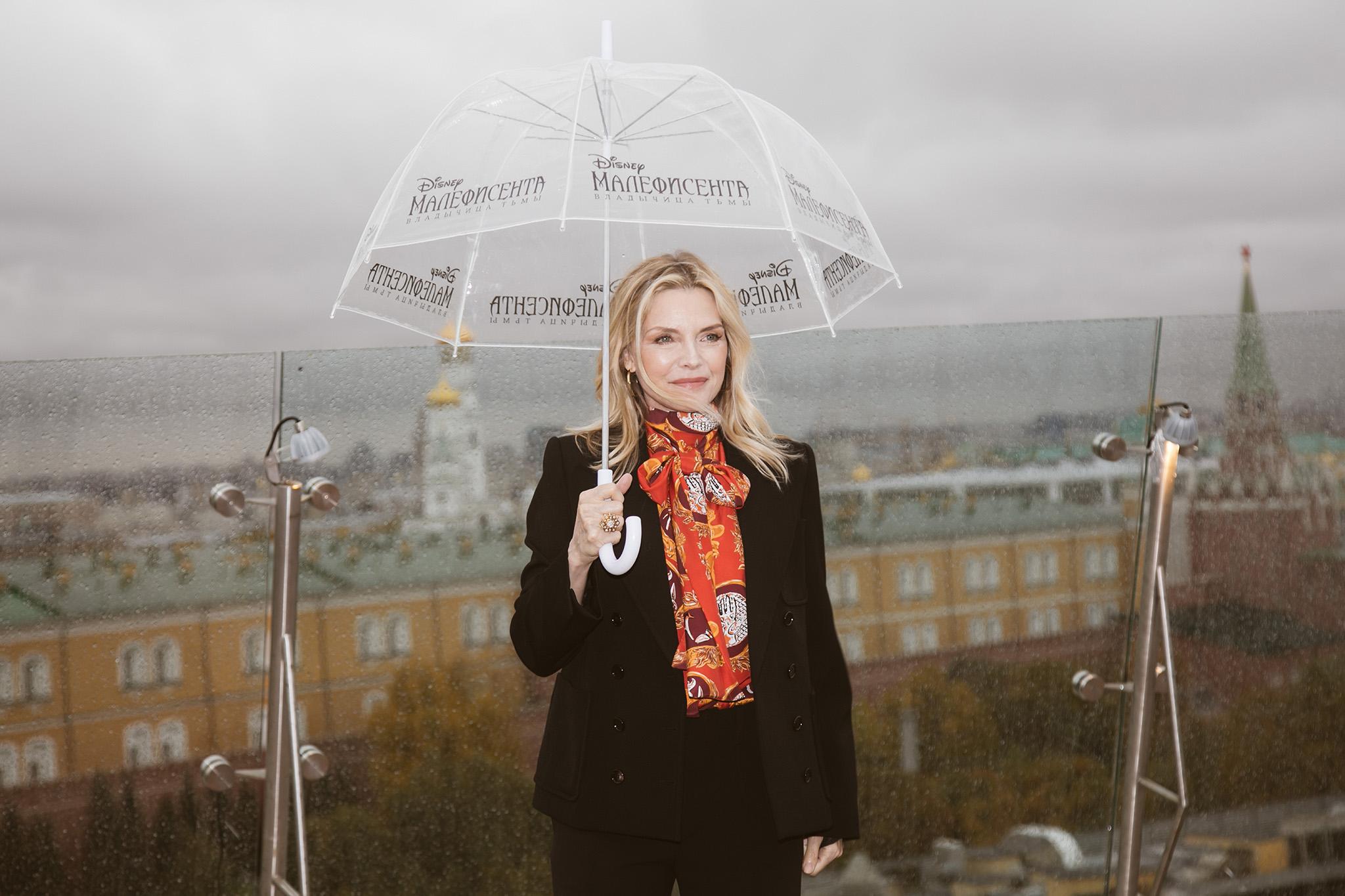 Джоли против Пфайффер: в Москве показали новый фильм